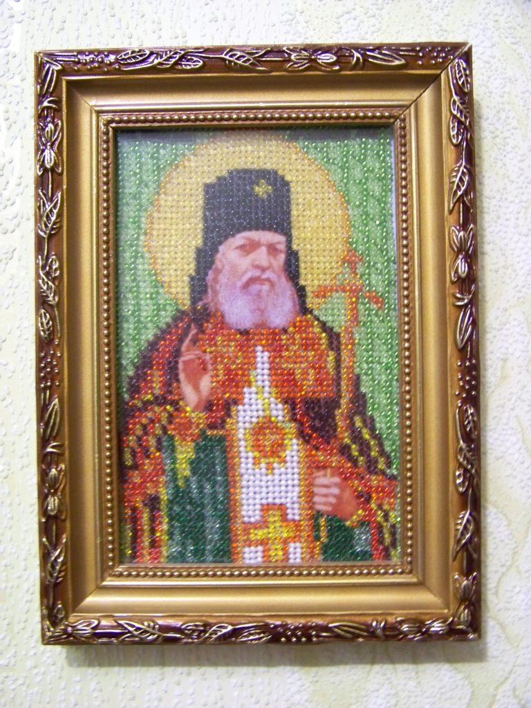 Икона бисером Святого апостола и евангелиста Луки
