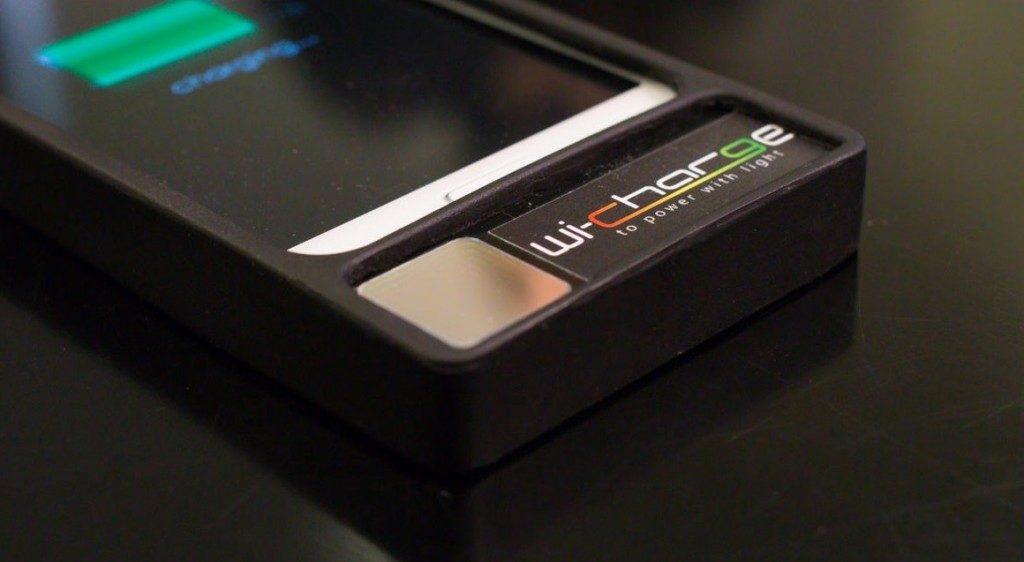Wi-Charge предлагает заряжать телефоны инфракрасным светом